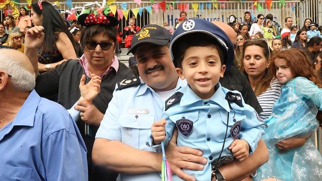 Police Commissioner Roni Alsheikh (and a smaller version)