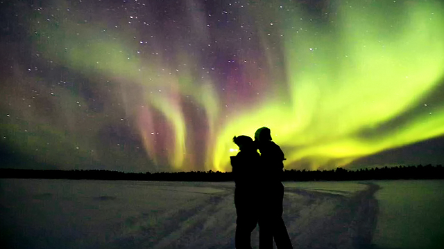 הדר ושחף ברגע המושלם שבו אורות הזוהר נחשפים במלוא הדרם (צילום: עמית דרור) (צילום: הדר קמינסקי)