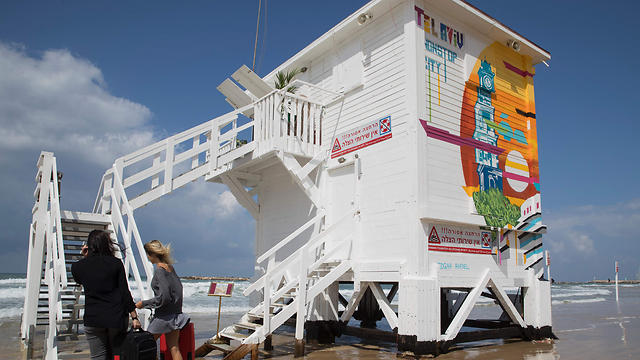 Pop-up hotel on the Tel Aviv beach (Photo: AFP) (Photo: AFP)