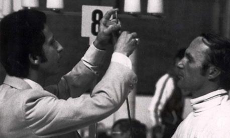 בוריס אונישצ'נקו נבדק במונטריאול 1976 (צילום: מתוך טוויטר)