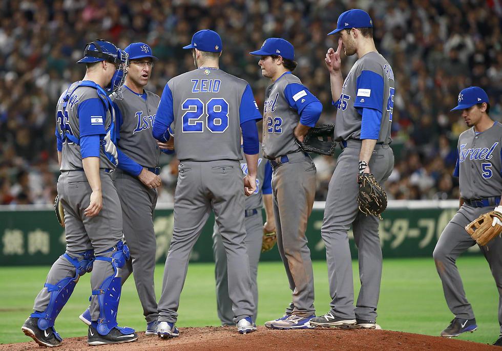 В сборной Израиля по бейсболу израильтян нет. Фото: АР