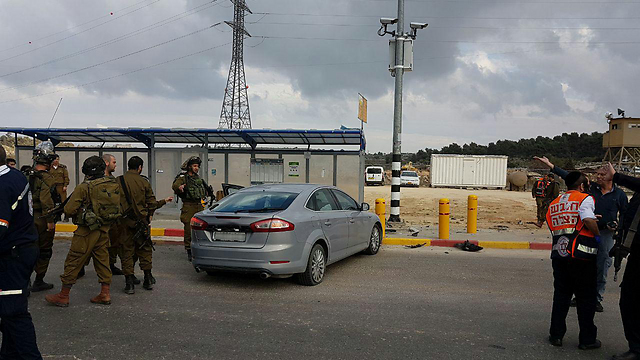 The car at the junction bus stop (Photo: Gush Etzion Regional Council)