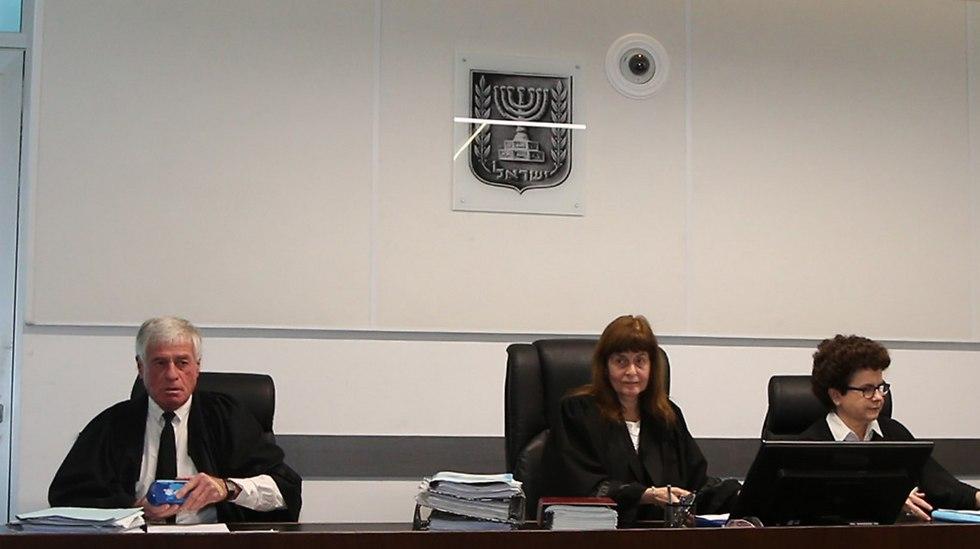 השופטים לפני הקראת העונש (צילום: אורן אהרוני)