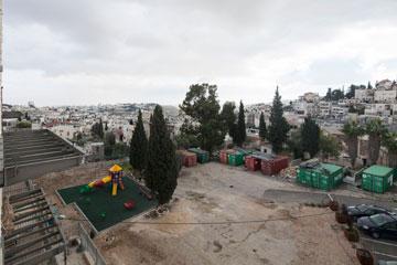 ואת ראס אל-עמוד מהצד השני (צילום: אביעד בר נס)
