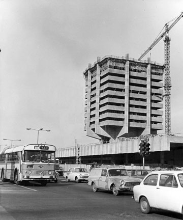 מיתולוגית: התחנה בחיפה (באדיבות הארכיון ההסטורי אגד)