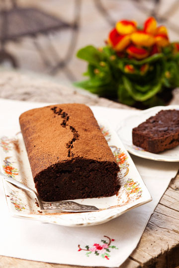 עוגת שוקולד עם שמן זית ( צילום: רן גולני, סגנון: נעמה רן )