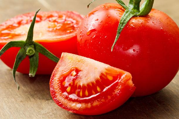 עגבניות. עשירות בליקופן, המגן במיוחד על תאי העור ועל רשתית העין (צילום: shutterstock)