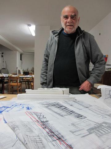 הממונה על תכנון ימית, האדריכל זאב דרוקמן. בדיעבד, היה מתכנן את העיר אחרת (צילום: מיכאל יעקובסון)