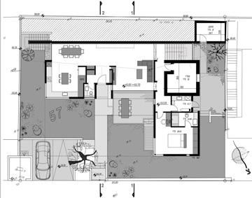 תוכנית הבית, על שתי קומותיו. אדריכל: איל מלכא; עיצוב פנים: אדריכלית מיכל תאומי סלע (תכנון: מלכא אדריכלים)
