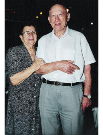 הבצק נמדד עם סרגל. אידה קליינמן ובעלה ישעיהו