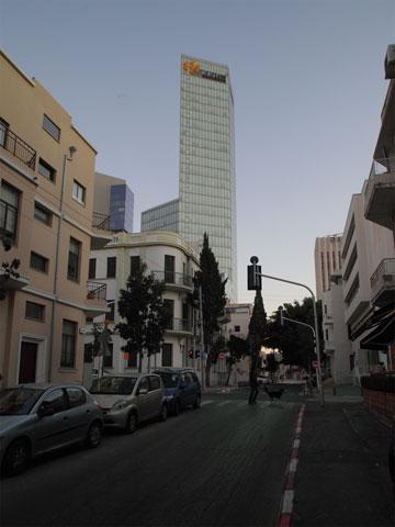 סחרור נדל''ני בלב העיר (צילום: אמית הרמן)