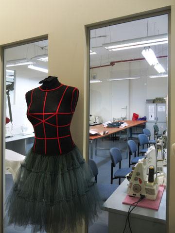 האקדמיה לעיצוב אופנה. קורס בעיצוב וסטיילינג לגילאי 17-10 (צילום: האקדמיה לעיצוב אופנה)