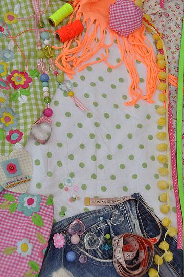 סדנת בנות יוצרות אופנה של סיגל רודין. לגילאי 9 ומעלה (צילום: סיגל סייג)