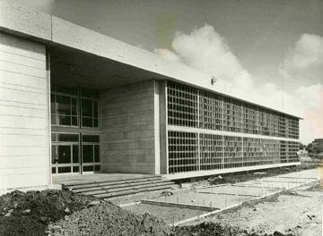 הצלחה אקלימית: בניין גילמן באוניברסיטת תל אביב (מתוך 'אוסף הארכיון לתולדות האוניברסיטה')