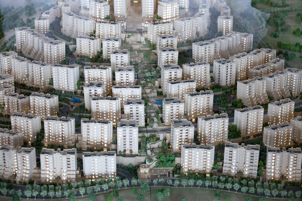 זה אמור לקרות בתחילת 2014, והיזמים מקווים שעד סוף העשור תאכלס העיר – שפירוש שמה בעברית הוא ''גבעות'' - כ-25 אלף תושבים (צילום: דור נבו)