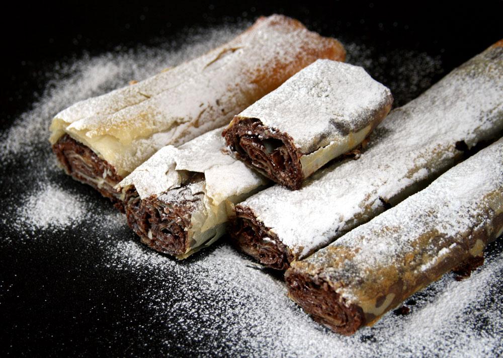 עוגת נוטלה עם בצק פילו (צילום: דורית מנו-טל אור)