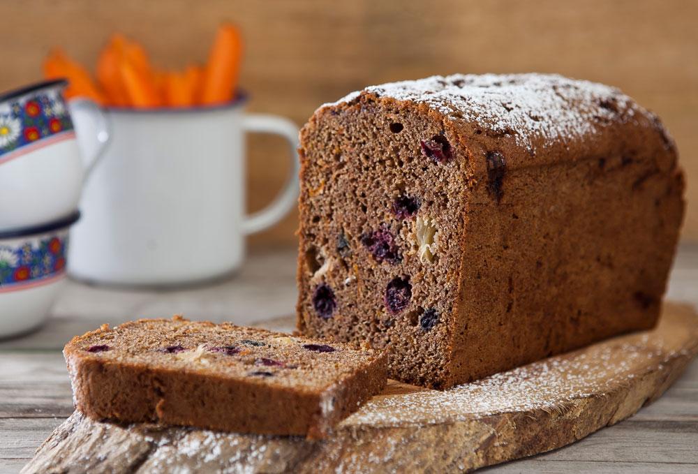 עוגת גזר מקמח מלא (צילום: שירן כרמל, סגנון: שרון טמיר)