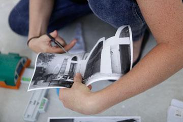 תלמידים יוצרים. אווירה של סטודיו לאדריכלות ועיצוב  (צילום: דרור סיתהכל)