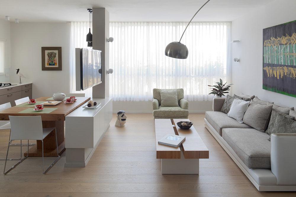 מיקום הסלון באזור מרכזי ומואר. עיצוב: קרן אטלס-דרור (צילום: אלעד שריג)