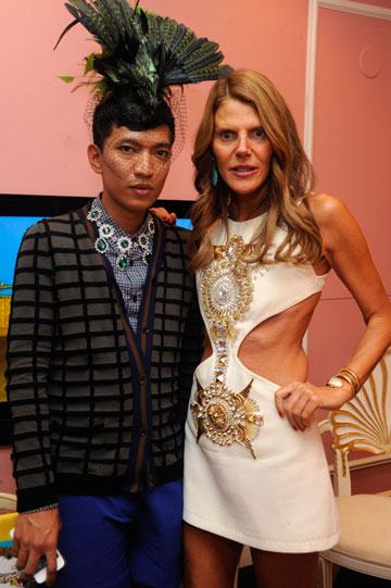 בריאן בוי עם עורכת האופנה אנה דלו רוסו (צילום: gettyimages)