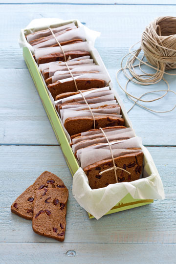 עוגיות כוסמין וחמוציות (צילום וסגנון: אסף אמברם)