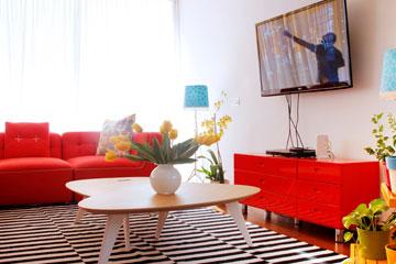 שידת הטלוויזיה היתה בחדר השינה בדירה הקודמת (בתמונה למטה) (צילום: אפרת לוזנוב)