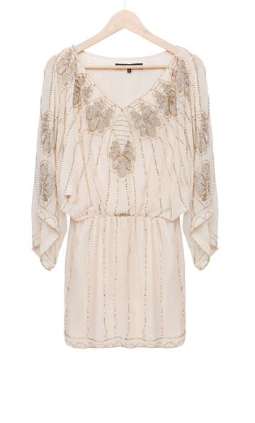 """שלה: שמלת שיפון מעוטרת אבנים, Forever Unique. """"כולם שאלו אותי איך יש לי אומץ לרכוש שמלה לחתונה באינטרנט. אפשר לחשוב"""" (צילום: ענבל מרמרי)"""