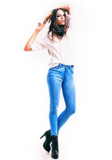 ביאנקו ג'ינס. בלי אמירה עיצובית מובהקת ( צילום: דין אבישר )