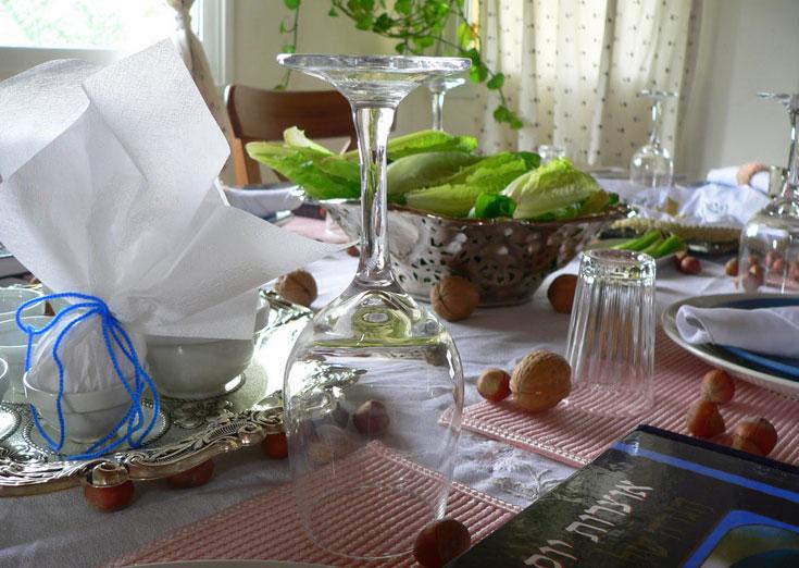 לילדים מחכה סלסילה עם הפתעות. שולחן החג של מרילין (צילום: מרילין איילון)