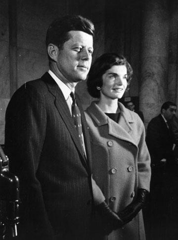 ג'קי וג'ון קנדי. זכו ליחס השמור לכוכבי קולנוע (צילום: gettyimages)