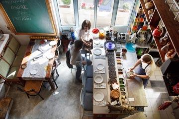 מסעדת מחניודה, בתכנון ''סטודיו מקומי'' (צילום: שי אפשטיין)