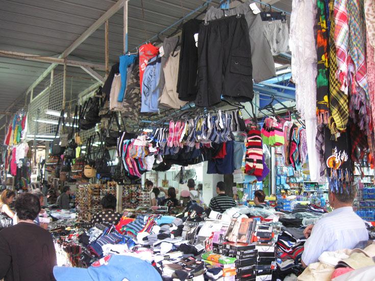 שוק הכרמל. אוצרות אמיתיים ברחובות הקטנים (צילום: אריאלה אפללו)
