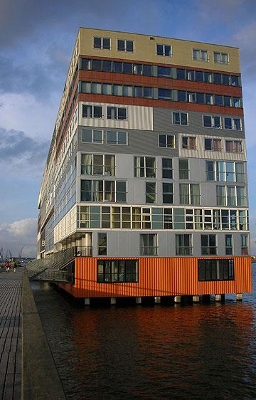 ה''סילודם'' באמסטרדם. רק ארבעה מתוך 24 הנשאלים קוראים לקדם דיור ציבורי (צילום:  Simon Blackley)