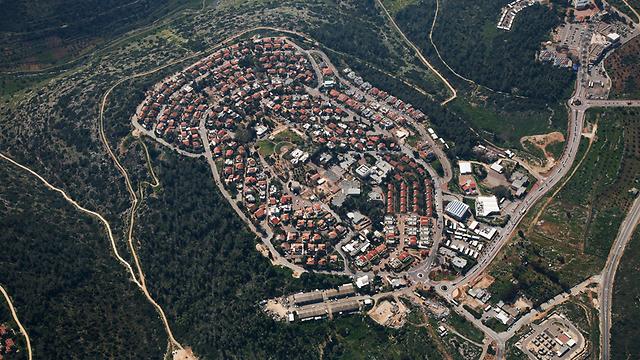 Izrael jóváhagyta 384 lakás építését Ciszjordániában