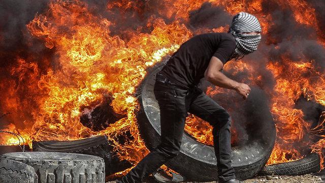 Nouvelle journée de manifestation à la frontière Gaza-Israël, un Palestinien blessé