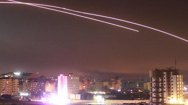 Izrael rakétákat lőhetett egy iráni bázisra Szíriában