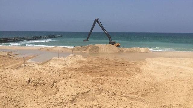 Izrael Hamász kommandósok elleni tengeri akadály építésébe kezdett