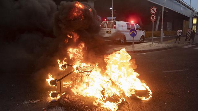 Clashes as Ethiopian Israelis protest over police shooting