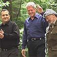 עם ראש הממשלה ברק ויאסר ערפאת בקמפ דייוויד
