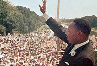 """קינג בעצרת שבה נשא את נאומו המפורסם """"יש לי חלום"""" (צילום: איי פי) (צילום: איי פי)"""