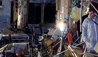 מלון פארק. נרצחו בעת שהסבו לשולחן הסדר (צילום: רויטרס) (צילום: רויטרס)