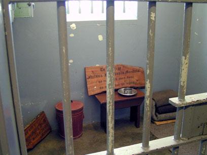 התא בכלא בו הוחזק נלסון מנדלה (צילום: mct) (צילום: mct)