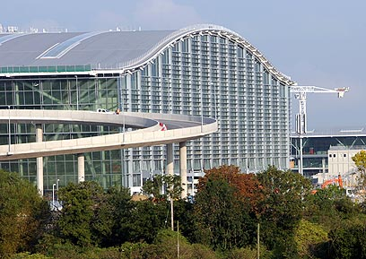 הטרמינל החדש בהית'רו  ()