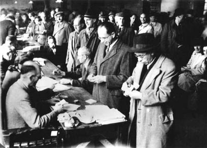 כ-25 אלף יהודים נמלטו לשנגחאי במהלך מלחמת העולם השנייה. קארל אנגר היה אחד מהם - וניהל את בית הספר היהודי בעיר (צילום: אמיר ודנה מן) (צילום: אמיר ודנה מן)