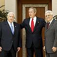 השיחות בעקבה. אבו מאזן עם ג'ורג' בוש ואריאל שרון, 2003