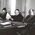 יצחק-מאיר לוין (שלישי מימין) בישיבת הממשלה האחרונה לפני הבחירות, 1949