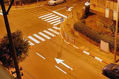 מחקר קבע: הגבהת מעברי חציה מגבירה את בטיחות הולכי הרגל (צילום: רועי צוקרמן) (צילום: רועי צוקרמן)