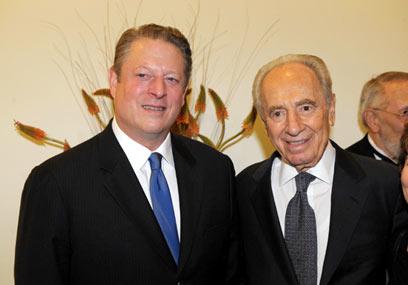 אל גור עם הנשיא פרס בעת ביקורו בישראל ב-2008 (צילום: ישראל הדרי) (צילום: ישראל הדרי)