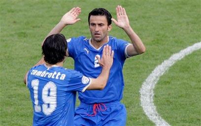 פאנוצ'י במדי נבחרת איטליה ביורו 2008 (צילום: AP) (צילום: AP)