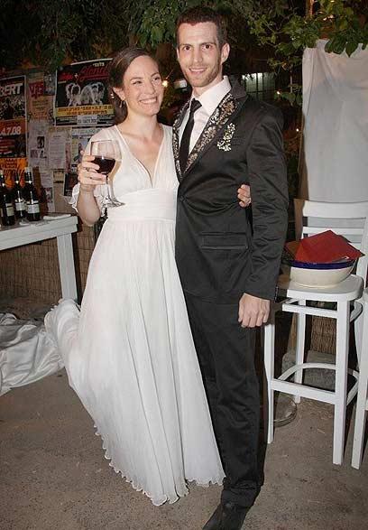בימים יפים יותר. ריקי בליך ושלמה קראוס בחתונה (צילום: ענת מוסברג)